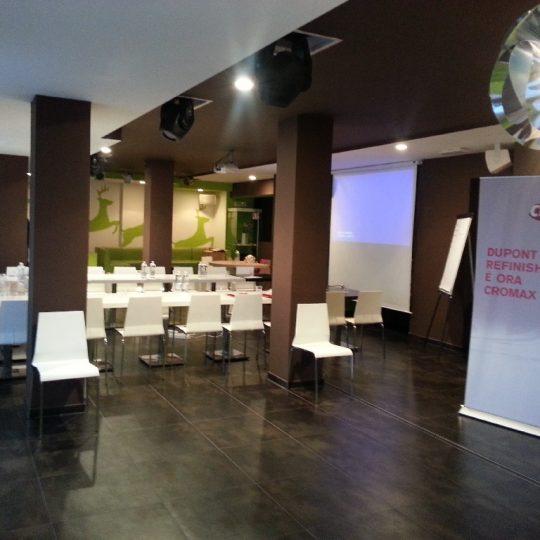 http://dolomitimountainresort.com/wp-content/uploads/2016/02/Sala-Five-Meeting-6-540x540.jpg