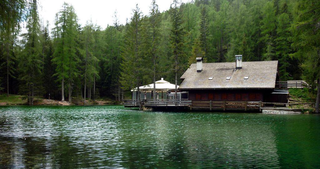 https://dolomitimountainresort.com/wp-content/uploads/2016/07/lago-ghedina-1024x540.jpg