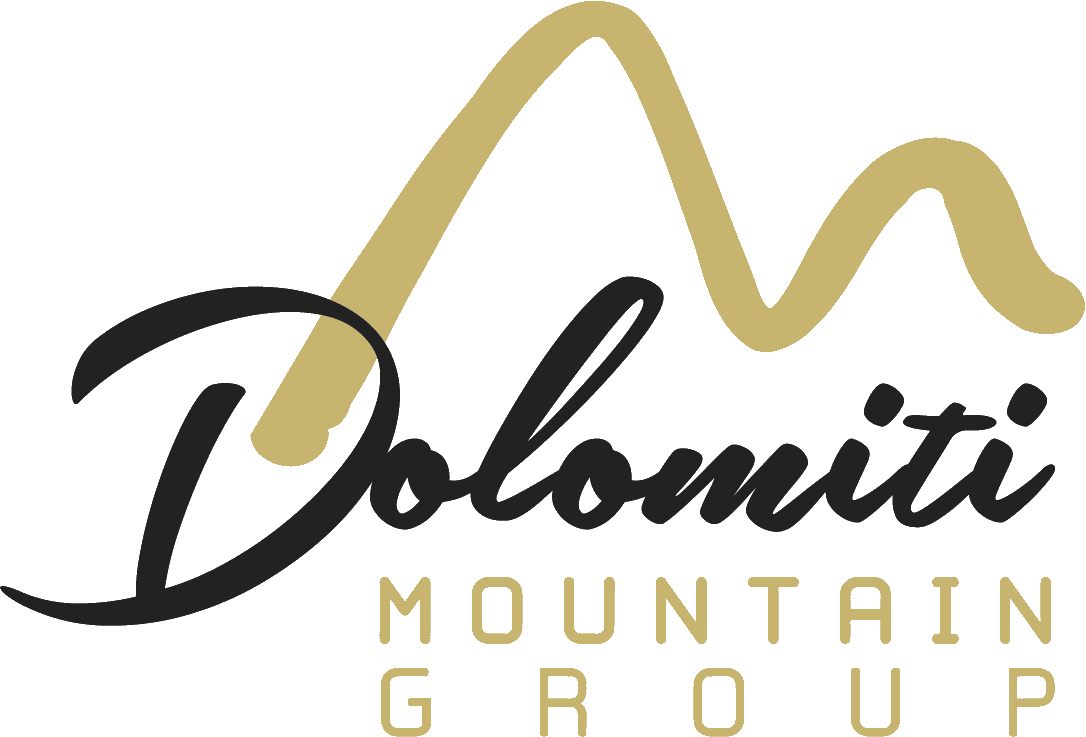Dolomiti Mountain Group (Hotel Antelao) alta png